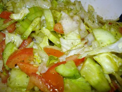 Salat_gemischt_dressing_dpetereit.de.JPG