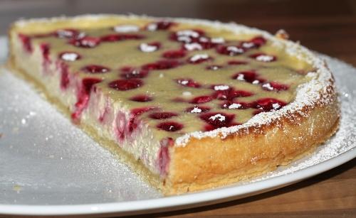 kaesekuchen-mit-frucht-3_lebenslang_hg