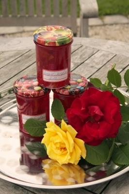 rosengelee-im-glas1_lebenslang_hg