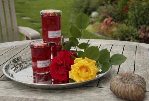 rosengelee-im-glas_lebenslang_hg